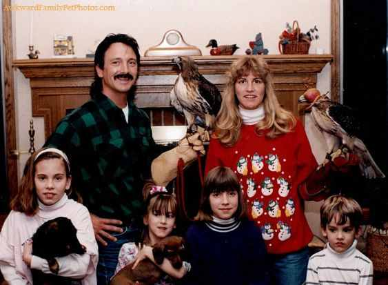 family-with-animals-Christmas-photo